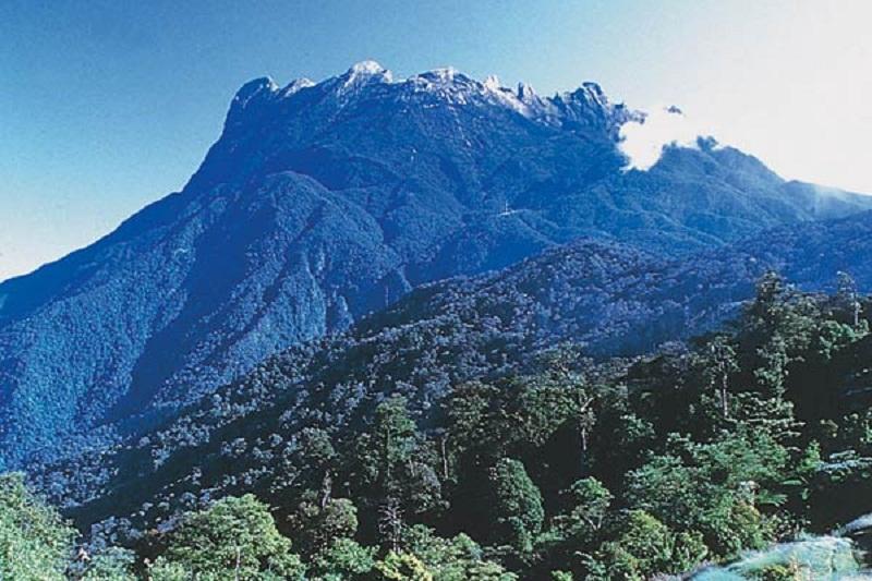 جبل كينابالو   ماليزيا