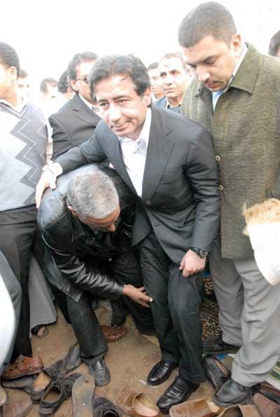 جزمة أوباما وجزمة احمد عز ... مسخرة لأبعد الحدود