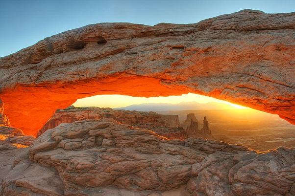 المناظر الطبيعية الملونة بشكل رائع