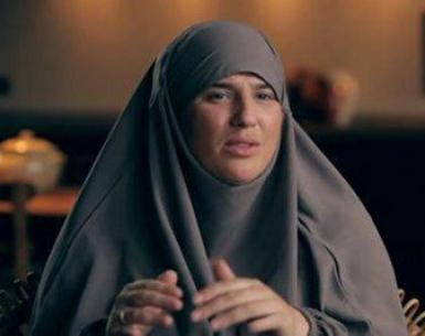 """الله أكبر و لله الحمد المطربة الفرنسية"""" ديامس"""" تعتنق الإسلام وترتدي الحجاب"""