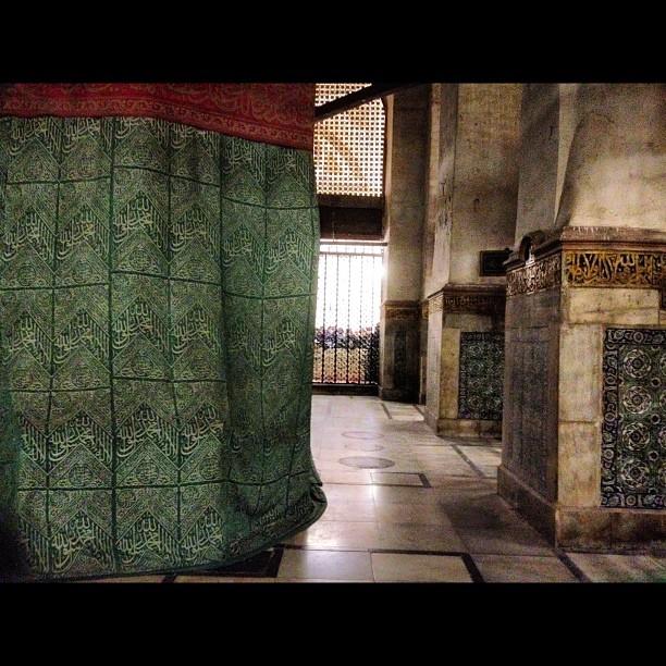 حجرة رسول الله ( صلى الله عليه وسلم )من الداخل
