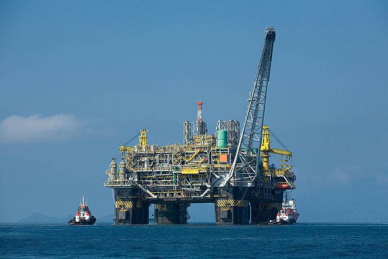 د.قنديل ينيب م.أسامه افتتاح المصنع المصرى الايطالى لتصنيع رؤؤس الآبار البترول