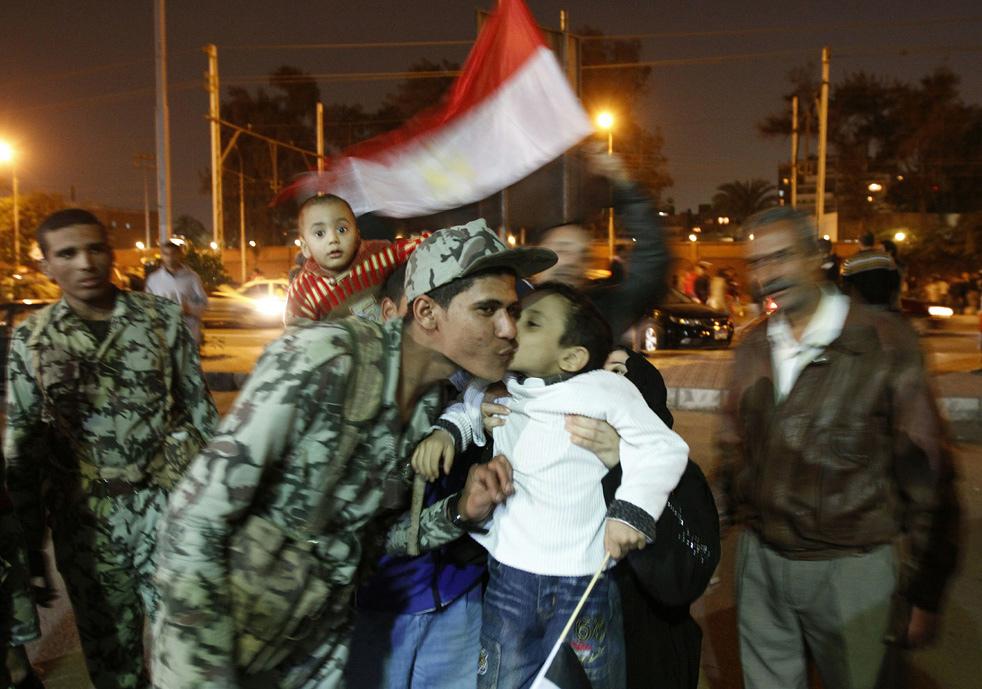 حصرى: اكبر تجميع لصور الثورات العربيه
