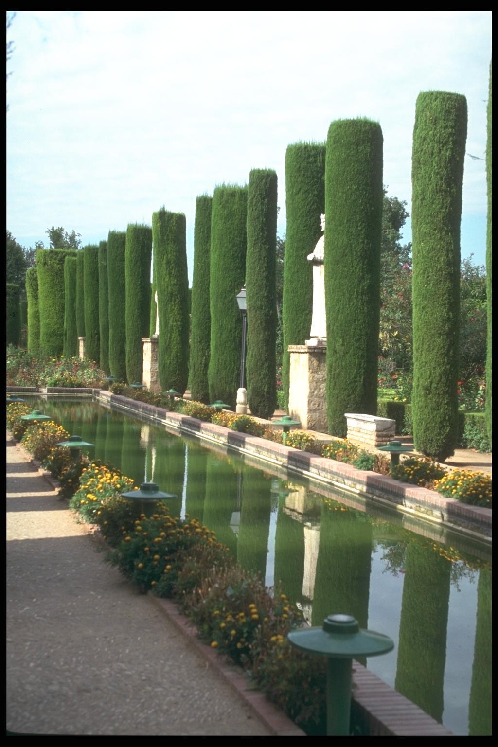 اليكم بعض الصور لحدائق رائعة
